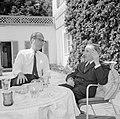 V.l.n.r. Hermann Kreisselmeier en Walter Mehring zittend op een terras, Bestanddeelnr 254-5044.jpg