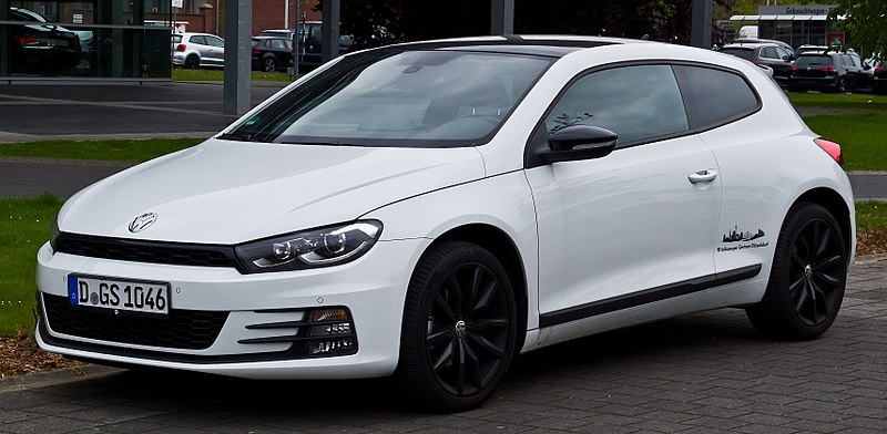 VW Scirocco 1.4 TSI BlueMotion Technology Sport (III, Facelift) %E2%80%93 Frontansicht, 21. April 2017, D%C3%BCsseldorf.jpg