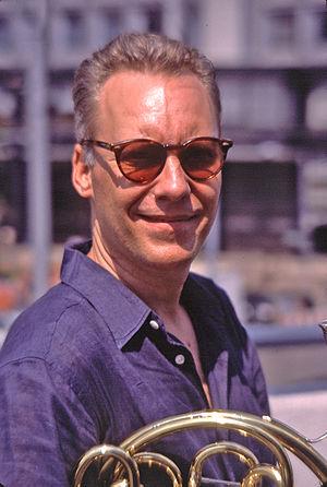 English: Photo of jazz French horn play Tom Varner