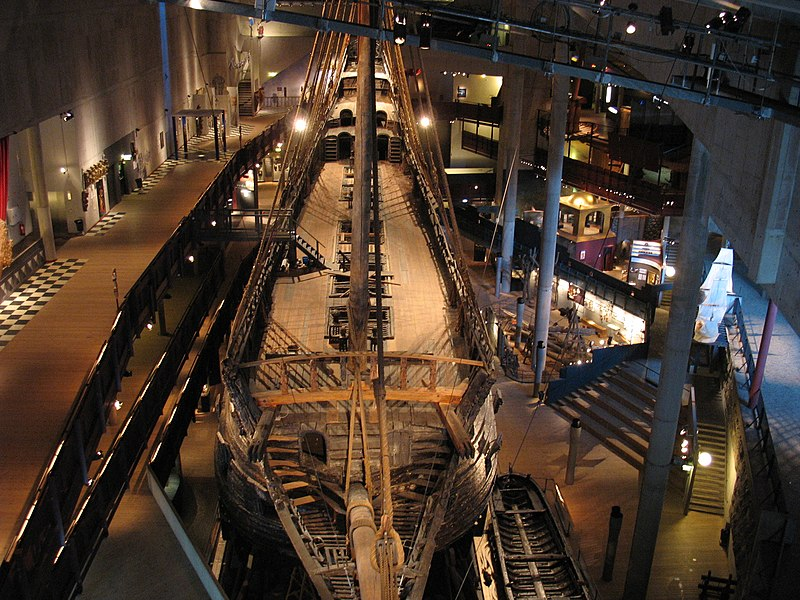 File:Vasa above bow1.jpg
