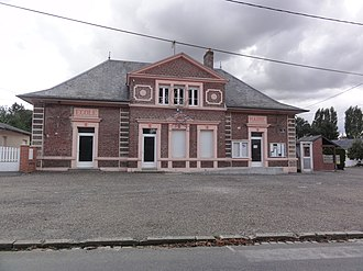 Vaux-en-Vermandois - The town hall and school of Vaux-en-Vermandois
