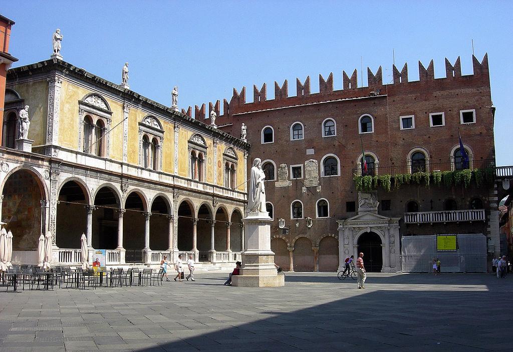 Verona Piazza dei Signori