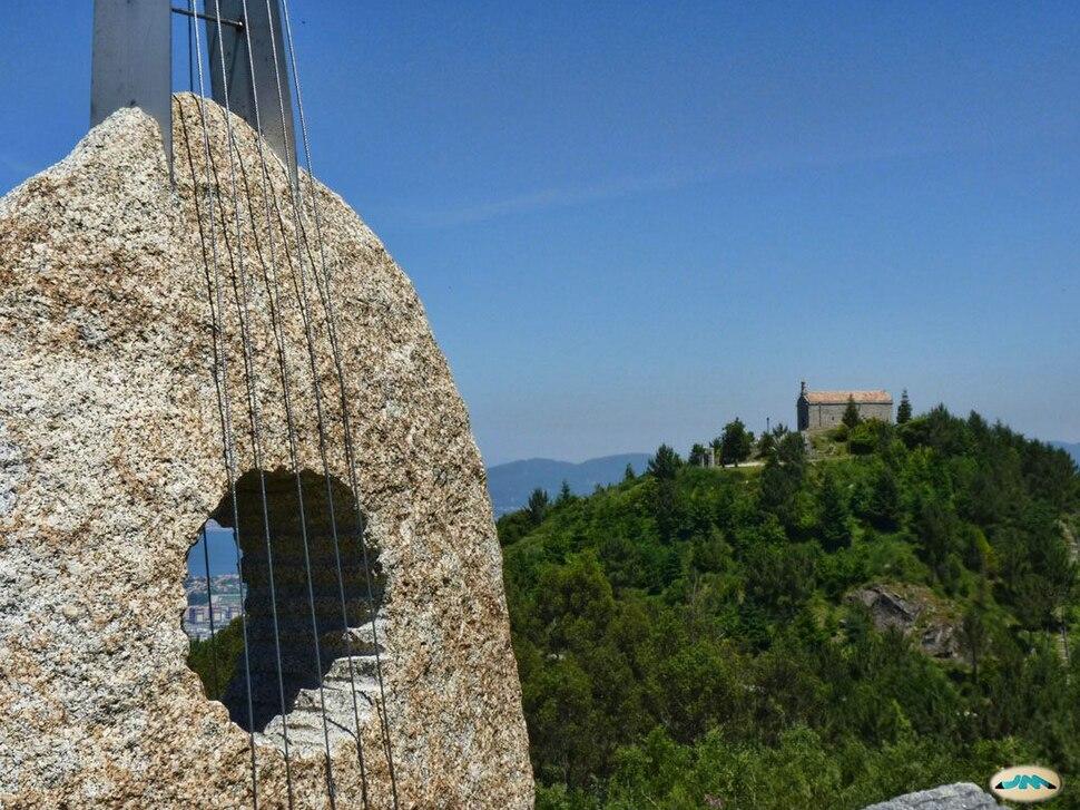 Vigo-Mirador do Cepudo, Serra do Galiñeiro, e capela de Nosa Señora de Alba