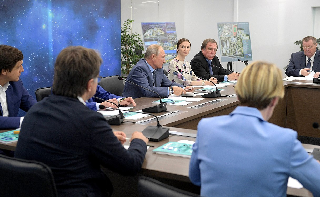 Vladimir Putin visited the Sirius Educational Centre (2018-09-01) 20.jpg