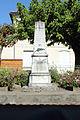 Vue du monument aux morts de Saint-Michel de Fronsac.jpg