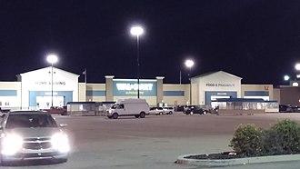 Walmart Canada - Walmart in Fort Saskatchewan, AB, with the old design in August 2016