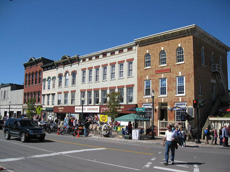 File:Waterville Triangle Historic District Sep 09.jpg