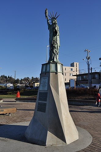 Statue of Liberty (Seattle) - The statue in 2011