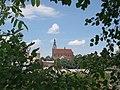 Widok od południa ul. Wierzbowej na kościół pw. św. Jerzego w Dzierżoniowie.JPG
