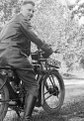 Wilhelm Walther, Motorrad, 2-085-086-6777.tif