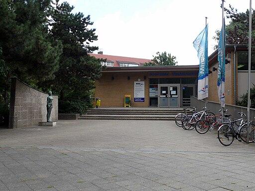 WilmersdorfHeidelbergerPlatzSchwimmbad-1