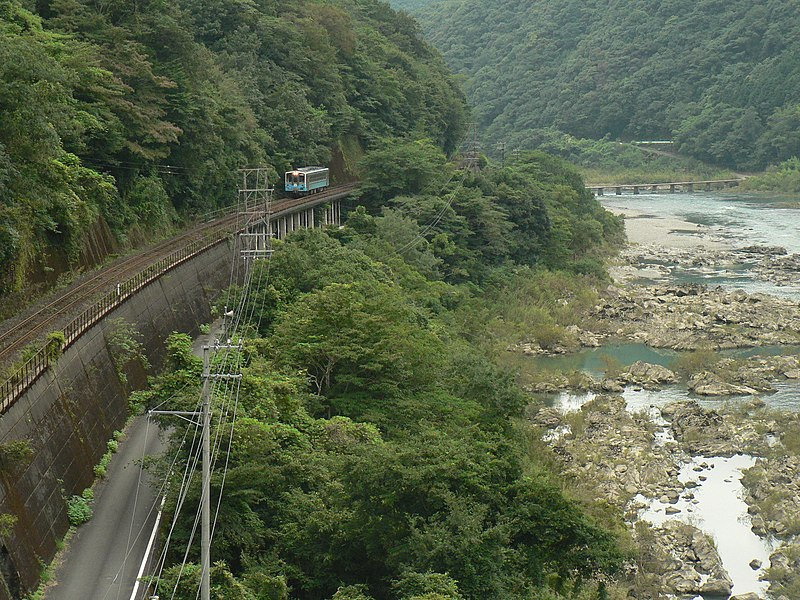 File:Yodo Line and Shimanto river.JPG