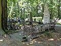 Łódź-Ottilie Kretschmer, Julian Halbert and Skowroński family grave.jpg