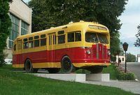 Автобус ЗИС в Глухове cropped.jpg