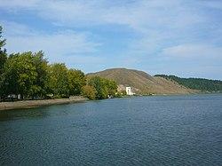 Вид на скалы и Воронину гору с насыпи.JPG