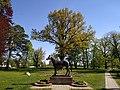 Памятник жеребцу Темпельхютеру. Парк пос. Ясная Поляна (Trakehnen), Калининградская область.jpg