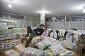 بسته بندی کمک های بشردوستانه و مردمی برای زلزله زدگان قصر شیرین Humanitarian aid- Iran Kermanshah 02.jpg