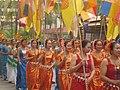 云南省西双版纳傣族自治州景洪市2009年传统泼水节日里包含铜臭照片群众的队伍 - panoramio.jpg