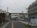 浜国(県道)から見た山陽東二見駅.png