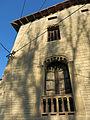039 Can Cavaller (Monistrol de Montserrat), façana sud, pl. de la Font Gran, finestres.JPG