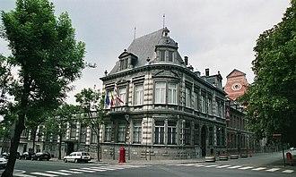 Museum François Duesberg - Image: 1. Le bâtiment du musée François Duesberg à Mons (Belgique)