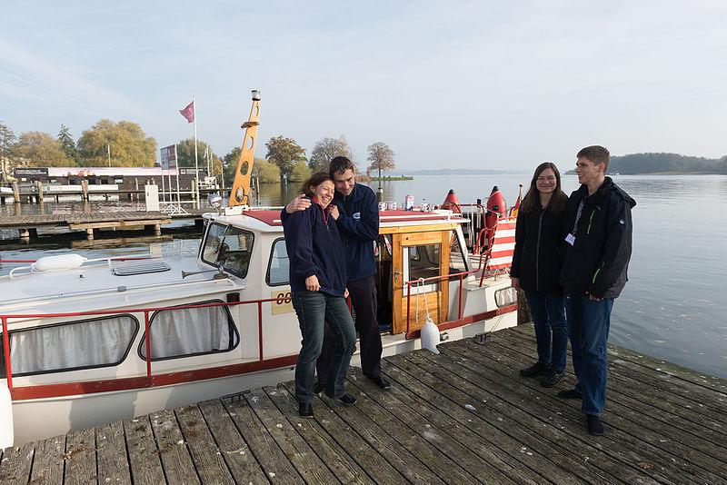 File:15-11-01-Schweriner See-RalfR-WMA 3407.jpg