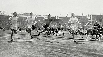 The final moments of the men's 100 metre final 1912 Athletics men's 100 metre final3.JPG