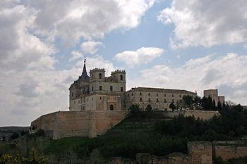 Vista del Monasterio de Uclés en la cima del cerro de El Portillo (desde el oeste)