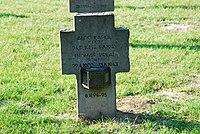 2017-09-28 GuentherZ Wien11 Zentralfriedhof Gruppe97 Soldatenfriedhof Wien (Zweiter Weltkrieg) (009).jpg