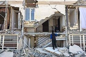 2017 Kermanshah earthquake by Alireza Vasigh Ansari - Sarpol-e Zahab (26).jpg