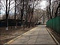 5-й микрорайон. Апрель 2014. Еще стоят дома 7 по бульвару. - panoramio.jpg