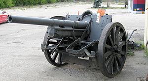 7.7 cm FK 16 CMHM Brantford 3.JPG