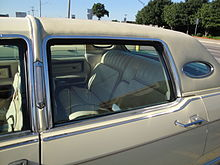 roofline detail of 1977 lincoln continental town car with opera window