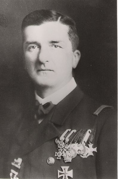 Horty as captain in 1917