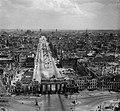Aerial view of the Brandenburg Gate in Berlin 1945-46 - panoramio.jpg