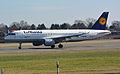 Airbus A320-211 (D-AIPM) 02.jpg