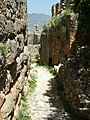 Alanya - Festungsberg - Nordbastion - links hellenistische Fundamente - panoramio.jpg