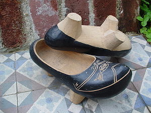 Cantabrian Clogs: Shoes With Legs!