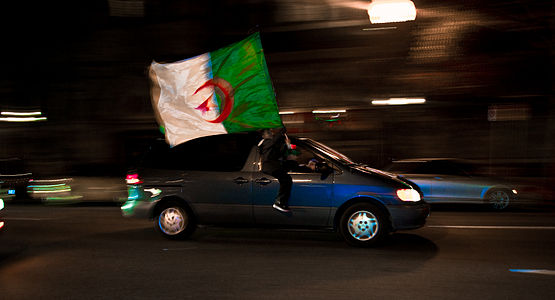 لمحة عن المنتخب الوطني الجزائري 555px-Algeria_fans_i