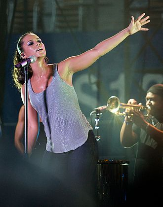Alicia Keys - Keys performing at the 2008 Summer Sonic Festival in Tokyo, Japan
