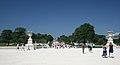 Allée centrale du jardin des Tuileries, Paris July 2006.jpg