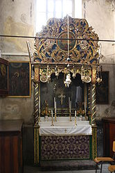 Altar of the Kings in the Church of the Nativity 2010.jpg