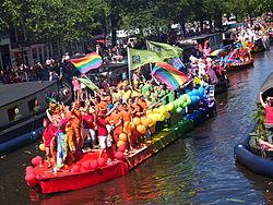 Amsterdam Gay Pride 2013 De Kringen boat pic3.JPG