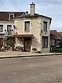 Ancien café du centre à Sougères-en-Puisaye (avril 2019).jpg