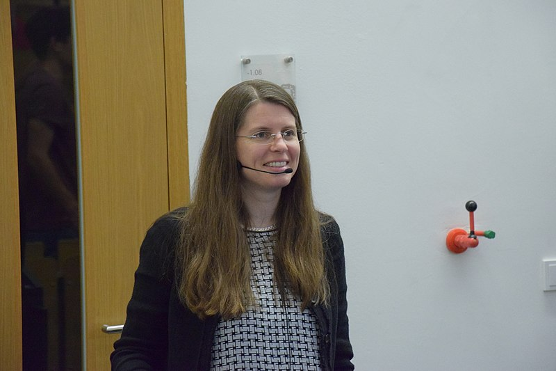 Datei:Anna Frebel at Night of Science 2018 (1).jpg