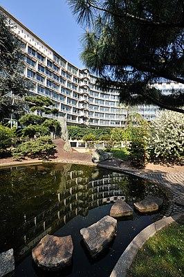 April 2010, UNESCO Headquarters in Paris - The Garden of Peace (or Japanese Garden) in Spring.jpg