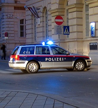 Federal Police (Austria) - An Austrian Police VW Golf Estate in the new Federal Police livery