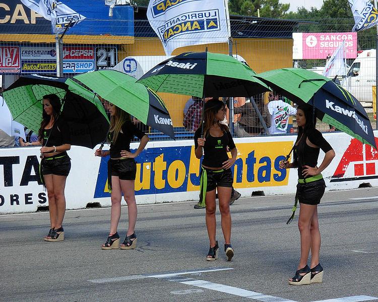 File:Autódromo Víctor Borrat Fabini de El Pinar - 2011 Mercosur Superbikes Cup - Paddock girls.jpg
