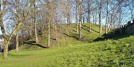 The remains of Baile Hill, the second motte-and-bailey castle built by William in York Baile Hill, York.JPG