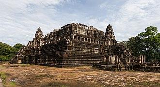 Baphuon - Image: Baphuon, Angkor Thom, Camboya, 2013 08 16, DD 13